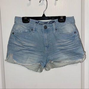 Vanilla star denim shorts!